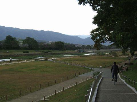 加茂川遊歩道.jpg